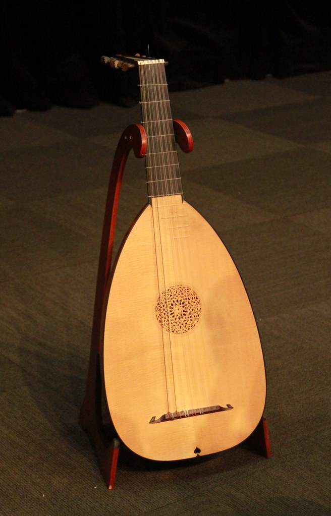 lute medieval instruments